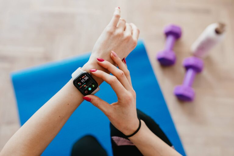 Best Fitness Tracker For Workouts 2021